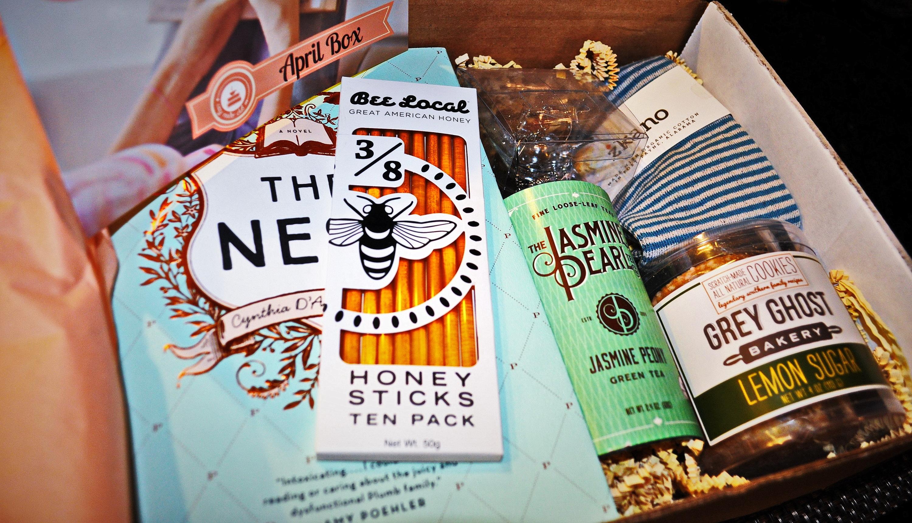 Cozy Reader Club April 2016 Box Contents