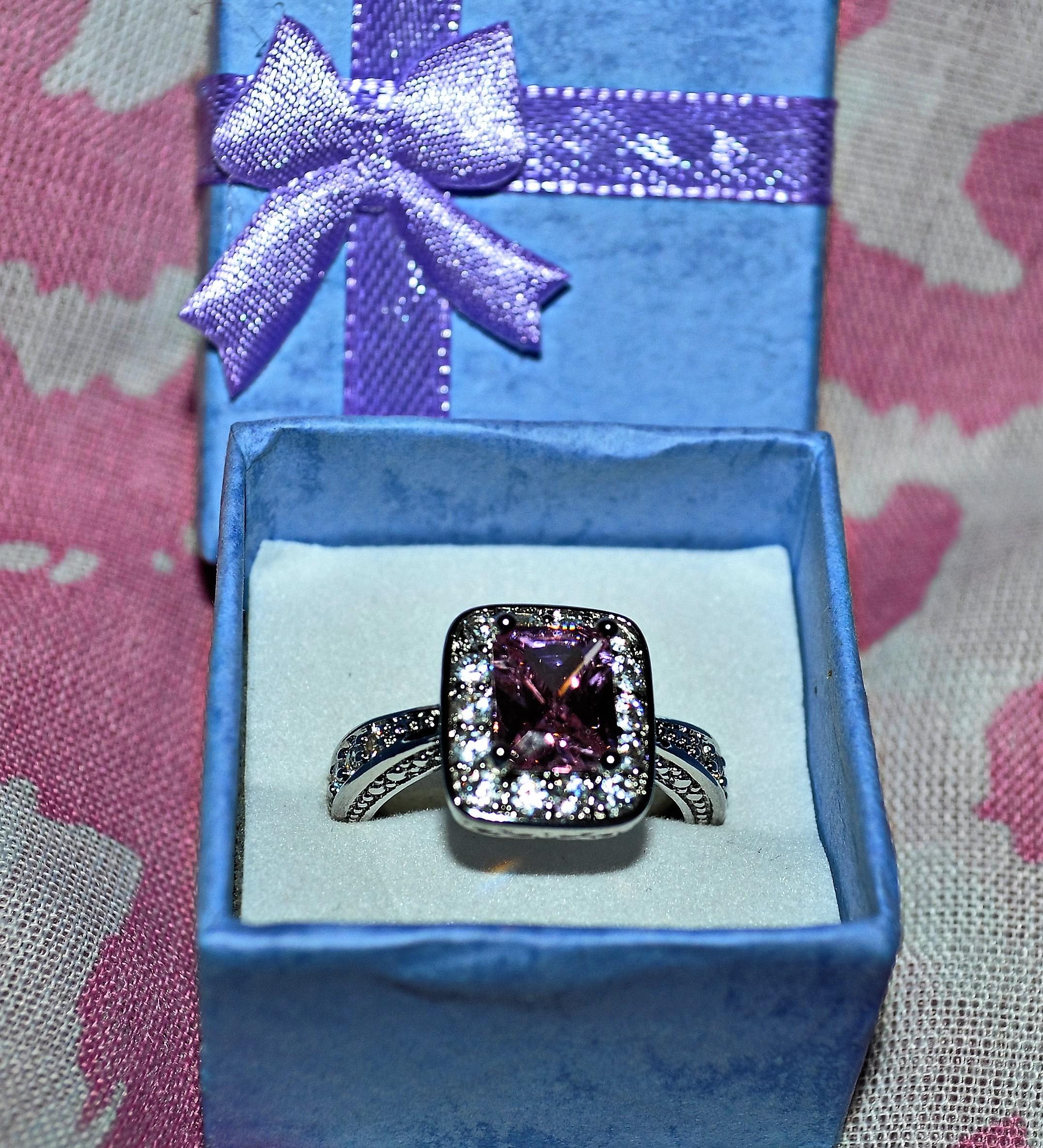 Gina Louise June 2016 Ring Box